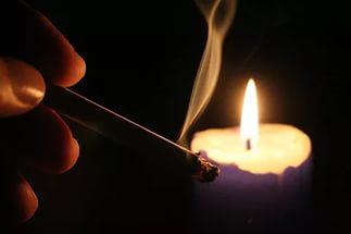 свеча и дым