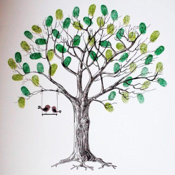 дерево с качелькой