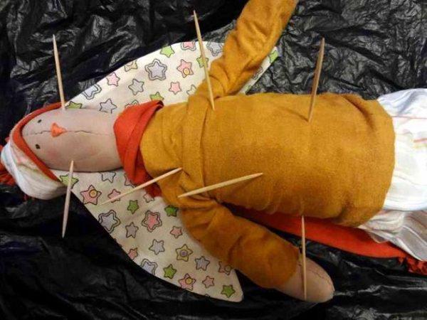 Приворот по кукле вуду как сделать