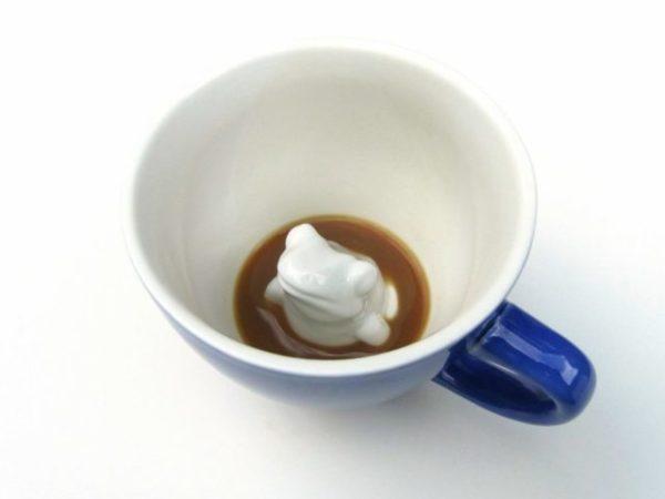 лягушка в чашке