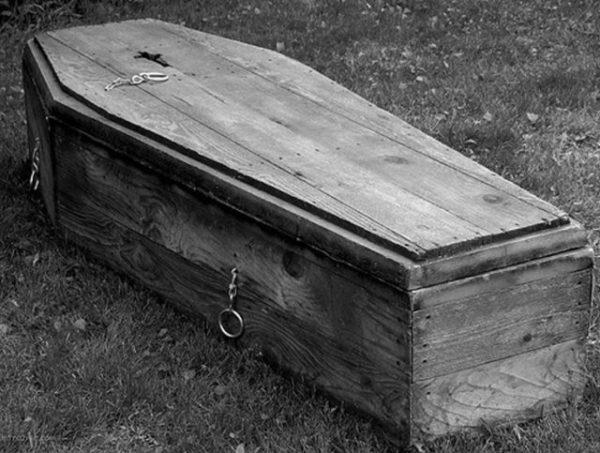 приснился покойник в гробу