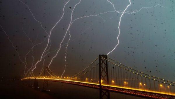 приснилась непогода с молнией